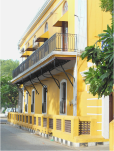 Surrounded by beautifully warm colors, during a stroll in Pondicherry.